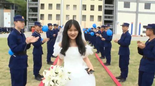 婚礼 消防员 伴郎
