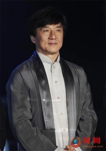 成龙王菲代言霸王洗发水传致癌 遭网友质问