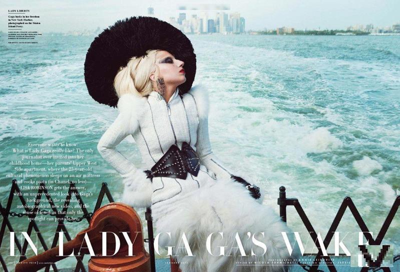 Lady Gaga裸体素描 拍卖 木炭裸体画 托尼