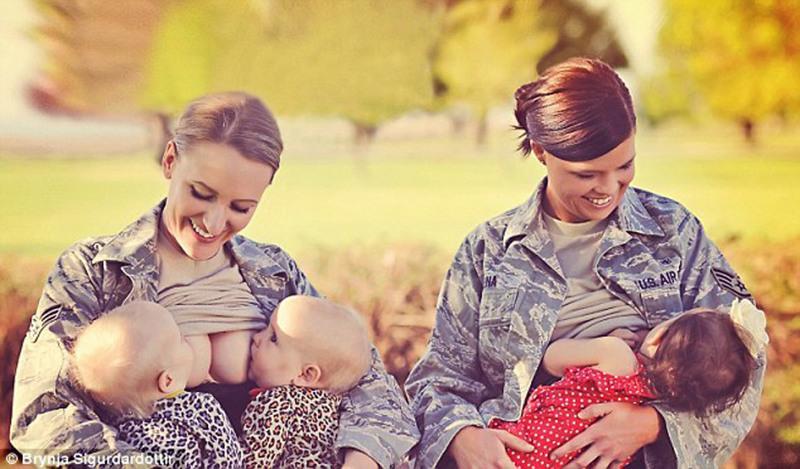 女军人穿军装公开哺乳 哺乳