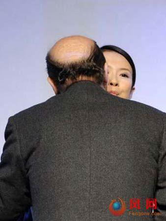 那英阿娇范冰冰 女星遭强吻的尴尬瞬间