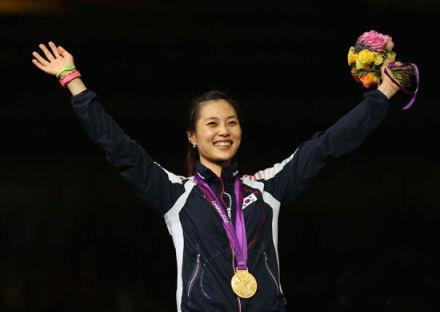 金智妍 韩国击剑运动员 金智妍被改国籍 击剑美女 伦敦奥运 乌龙事件
