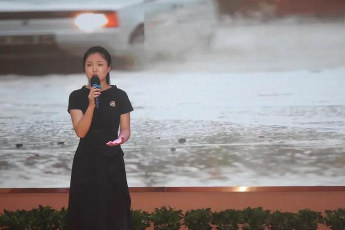 雁峰区黄茶岭街道办事处:李燕《我是妈妈的孩子,我也是孩子的妈妈》.png