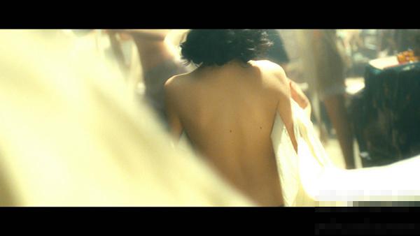 床戏 金陵十三钗 贝尔激情戏 裸身换衣 吻戏视频