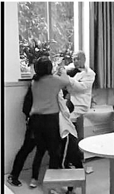 绍兴儿科医生被打 家长不想孩子停课起冲突 医患冲突 猩红热 传染病